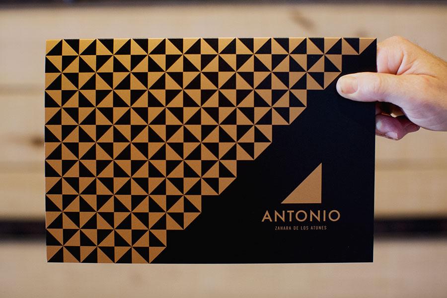diseño de carta de restaurante antonio